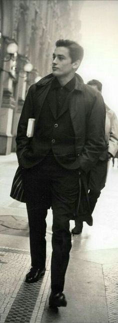 Prominent actor of international fame. Native of Sceaux, Siene, Ile de FRANCEAlain Delon. Prominent actor of international fame. Native of Sceaux, Siene, Ile de FRANCE Nostalgia, Isabelle Adjani, Cinema, Monochrom, Style Icons, Men's Style, Old Hollywood, Movie Stars, Actors & Actresses