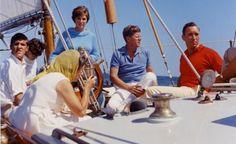John F. Kennedy sailing off Newport, Rhode Island on the Coast Guard yacht Manitou with the future Secretary of State John Kerry at far left (August Os Kennedy, Caroline Kennedy, Jacqueline Kennedy Onassis, John F Kennedy, Saint Tropez, Sta Monica, Kennedy Compound, Young John