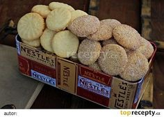 Jednoduché máslové sušenky recept - TopRecepty.cz Biscuit Cookies, No Bake Cookies, Le Chef, Crinkles, Christmas Cookies, Mousse, Food To Make, Cereal, Food And Drink