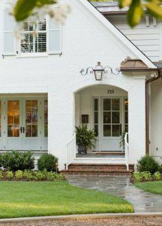 Painted Brick Exteriors door way plus room for the cottage Exterior Colors, Exterior Paint, Exterior Design, Stucco Exterior, Exterior Shutters, Exterior Signage, Craftsman Exterior, Exterior Cladding, Craftsman Kitchen