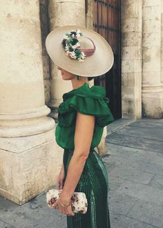 "[gallery ids=""5188,5189,5190,5191″ type=""rectangular""] Pamelas temporada otoño-invierno 2017 Melbourne Cup Fashion, Wedding Hats For Guests, Look Fashion, Fashion Outfits, Derby Outfits, Bridal Hat, Fascinator Hats, Fascinators, Love Hat"