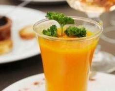 Soupe de carottes, potiron, lait de coco et curry en verrine