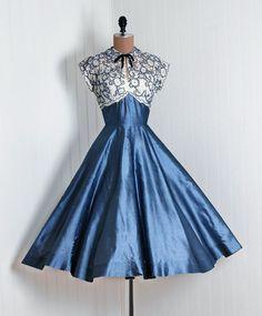 Lo Stile (éphémère élégance: robe de cocktail avec Raw Silk ...)
