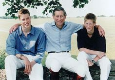 PRINCE CHARLES' CHRISTMAS CARD FROM 1999 SHOWING THE PRINCE OF W
