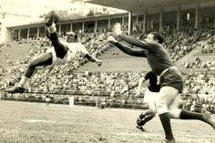 Curiosidades da Copa: 1938 - Leônidas faz gol descalço