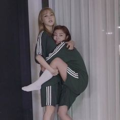 Find images and videos about kpop, girls and mamamoo on We Heart It - the app to get lost in what you love. Kpop Girl Groups, Kpop Girls, K Pop, My Girl, Cool Girl, Wheein Mamamoo, K Idols, Girl Crushes, Korean Girl