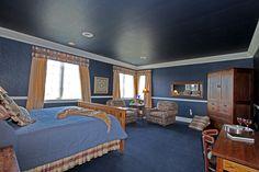 Golden Prairie Guest Room