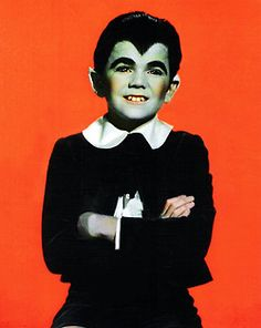 Eddie Munster The Munsters, Munsters Tv Show, Munsters House, La Familia Munster, Los Addams, Black Sheep Of The Family, Nostalgia, Retro, Female Vampire