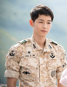 Descendants of the Sun, the Korean drama. Song Joong Ki as Yoo Shi Jin Song Hye Kyo as Kang Mo Yeon Jin Goo as Seo Dae Young Kim Ji Won as Yoon Myeong Joo My Gifs Song Hye Kyo, Korean Star, Korean Men, Kim Jisoo Actor, Asian Actors, Korean Actors, Decendants Of The Sun, Les Descendants, Oppa Gangnam Style