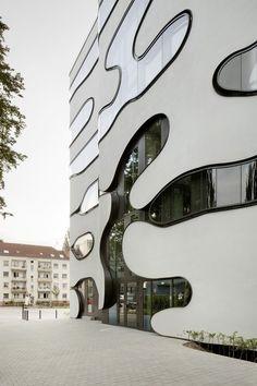 J. Mayer H. Architects – Arch Daily)  Hamburg, Germany