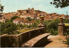 Miniatura medieval. (F.I.)       Hoy viajamos a la ciudad Plasencia (Cáceres), allí en el siglo XV nace en el palacio llamad...