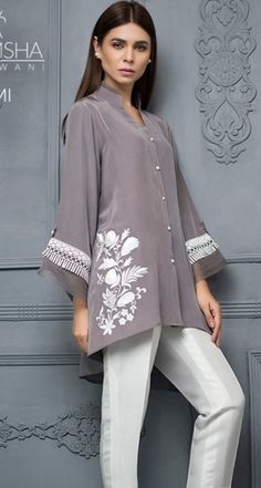 Embroidery Ideas For Shirts Clothes Blouses 62 Ideas Women's Fashion Dresses, Hijab Fashion, Casual Dresses, Fashion Blouses, Pakistani Dresses, Indian Dresses, Blouse Styles, Blouse Designs, Blouse Outfit