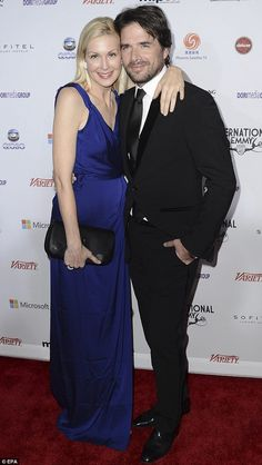 It needed to be pinnned...Matthew Settle and Kelly Rutherford