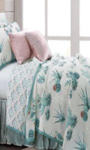 (1) Cowgirl Kim Red Rodeo Comforter Set King Comforter, Comforter Sets, Western Bathroom Decor, Cat Bedroom, Pillow Shams, Pillows, King Size Quilt, Quilt Sets, Comforters
