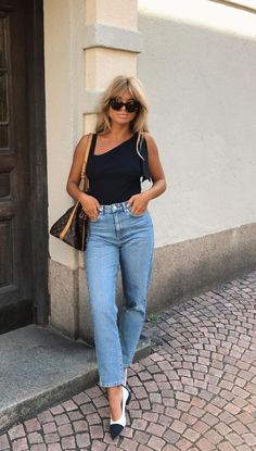May 2020 - 43 Casual Chic Summer Outfits 2019 To Look Amazing Casual Chic Summer, Chic Summer Outfits, Spring Summer Fashion, Casual Outfits, Fashion Outfits, Outfit Summer, Ladies Outfits, Holiday Outfits, Style Désinvolte Chic