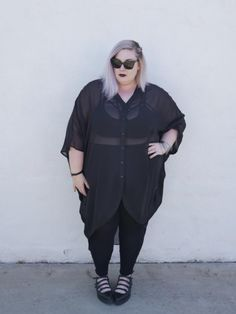 🖤 Sheer blouse and sunglasse Plus Size Fashion For Women, Plus Size Womens Clothing, Clothes For Women, Nice Clothes, Fall Clothes, Size Clothing, Sweater Dress Outfit, Sweater Outfits, Big Girl Fashion