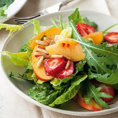 Fruchtiger Sommersalat mit Chili-Vinaigrette Rezept | Küchengötter