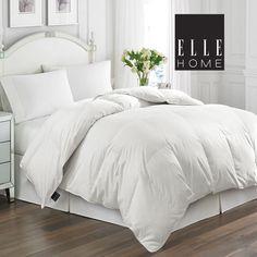 Down Comforter Bedding, White Comforter Bedroom, Fluffy Comforter, White Down Comforter, Fluffy White Bedding, White Bed Comforters, White Bed Covers, Boudoir, White Feathers