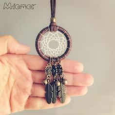 MIAMOR New Fashion Vintage Mini Dreamcatcher Handmade Dream Catcher Necklace Gift For Girlfriend Decoration Ornament – diy decoration Dream Catcher For Car, Dream Catcher Decor, Handmade Jewelry Designs, Handmade Necklaces, Handmade Gifts For Girlfriend, Girlfriend Gift, Diy Dream Catcher Tutorial, Dream Catcher Necklace, Mini