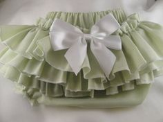ruffle baby bloomers - I could make these.