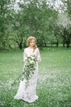 "aislesociety: "" Time for a different kind of Falling petals make this springtime bridal shoot on Bridal Musings into a romantic wonderland! Photo by Elena Pavlova via Bridal Musings More Aisle. Cascading Wedding Bouquets, Bride Bouquets, Flower Bouquet Wedding, Cascade Bouquet, Boquette Wedding, Trendy Wedding, Wedding Blog, Garden Wedding, Wedding Reception"