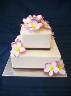 Wedding cake with Plumeria Pretty Cakes, Beautiful Cakes, Wedding Cake Designs, Wedding Cakes, Hawaiian Cupcakes, Island Cake, Cake Table Decorations, Beach Cakes, Flower Cupcakes