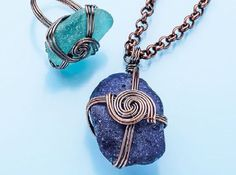 wire jewelry making: use double or triple wire for more interest  - from Make Wire-Wrapped Bezels for Stones: 6 Ways to Perk Up Your Wire Jewelry Making - Jewelry Making Daily