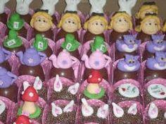 Resultado de imagem para doces decorados alice no pais das maravilhas