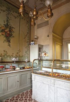 Take a Tuscan country chef, add the revered architect Renzo Mongiardino, and mix with the designs of Studio Peregalli — and you have some of the most exquisite restaurants in Milan, if not the world. Patisserie Design, Boutique Patisserie, Bakery Shop Design, Coffee Shop Design, Cafe Design, Design Design, Tuscan Design, Tuscan Style, Bakery Cafe