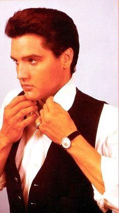 (*) Twitter Elvis Presley