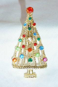 Vintage Pin Holiday Christmas Tree Rhinestone  Pin by vintagelady7