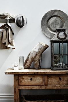 aros:  Une maison de campagne romantique en Tasmanie. If you love rustic style, you should now that is a trend. Use it in your bedroom, bathroom, living room or dining area. See more home design ideas at www.homedesignideas.eu #contemporary #interiors