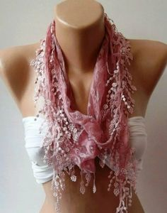 Lace scarf soft pink