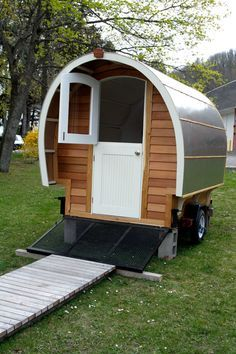 So adorable.I am ready to take off on a camping adventure in the ProtoStoga. Built on a utility trailer. Gypsy Trailer, Teardrop Trailer, Tyni House, Homemade Camper, Tiny Trailers, Camp Trailers, Food Trailer, Travel Trailers, Gypsy Home