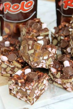Tray Bake Recipes, Fudge Recipes, Baking Recipes, Cake Recipes, Dessert Recipes, Desserts, Baking Ideas, Best Rocky Road Recipe, Chocolate Traybake