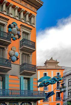 Unbelievabvle umbrella Shop in Barcelona