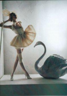 Dreamy Fashion #capeziostudio2street Swan... girl...