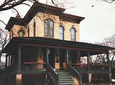 Dave-s Victorian House Site - Evanston Gallery Evanston Illinois, Double House, House Proud, Old Barns, Old Houses, Nice Houses, Historic Homes, Exterior Paint, House Colors