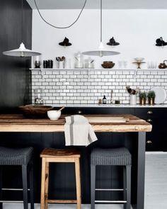 37 Amazing Modern Farmhouse Kitchen Design Ideas To Renew Your Home Kitchen Tiles, Kitchen Colors, New Kitchen, Kitchen Decor, Kitchen Black, Kitchen Small, Kitchen Cabinets, Kitchen Wood, Kitchen Island