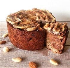 Met slechts enkele ingrediënten tover jij een voedzaam taartje op tafel dat niet eens meer lijkt op een standaard bananenbrood, bruisend van smaken!