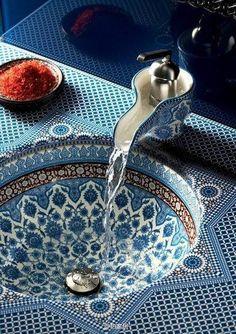Blue + White for the bathroom #2014trend #homedecor