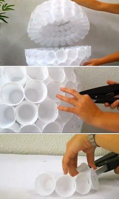 Diy Projects: Snowman out of Plastic Cups Plastic Cup Snowman, Plastic Cup Crafts, Plastic Cups, Snowman Cup, Christmas Classroom Door, Christmas Door Wreaths, Christmas Door Decorations, Christmas Crafts, Xmas