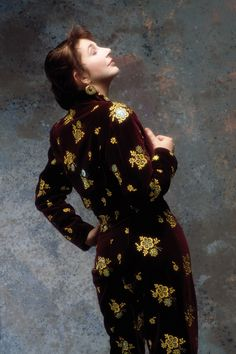 Kate Bush: photographs by Gered Mankowitz and Guido Harari Bags Online Shopping, Discount Shopping, Online Bags, Lindsay Kemp, Music Photographer, Female Singers, Trendy Fashion, Fashion Bags, Rock Fashion