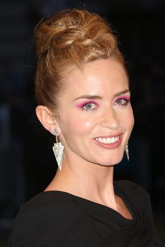 Red Carpet Beauty Met Ball, May 2013 - Emily Blunt offset her elegant black gown with shocking pink eye shadow and an intricate up-do. Mohawk Hairstyles For Women, Shaved Side Hairstyles, American Hairstyles, Celebrity Hairstyles, Hairstyles Haircuts, Wedding Hairstyles, Pelo Mohawk, Mohawk Braid, Kelly Osbourne