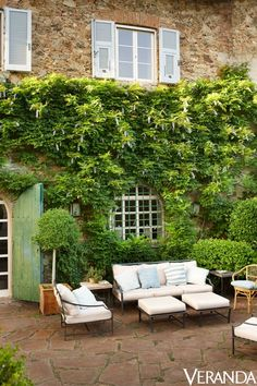 Courtyards Patios Other Outdoor Living Spaces On