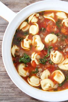 Italian Sausage Tortellini Soup ~T~ I love this hearty soup. Love the idea of rolling the sausage into tiny meat balls. Italian Sausage Tortellini Soup, Cheese Tortellini Soup, Pasta Soup, Italian Soup, Cheese Soup, Zucchini, Creme, Snacks, Dessert