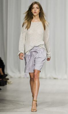 Stockholm Fashionweek continues to deliver awesome fashion shows. Check out Hunkydory Spring-Summer 2015 collection here.