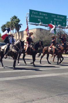 Desfile charro days 2013 BROWNSVILLE,   Tx. Our Town, Mexico, Texas, Around The Worlds, Horses, Culture, Street, Day, Travel