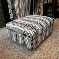 Ikean iso säilytysrahi verhoiltiin Johanna Gullichsenin kankaalla. Outdoor Furniture, Outdoor Decor, Ottoman, Chair, Home Decor, Decoration Home, Room Decor, Stool, Home Interior Design