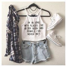 Resultado de imagem para roupas tumblr mina mano